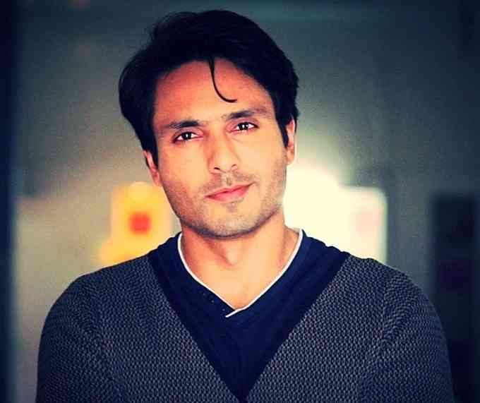 Iqbal Khan Images