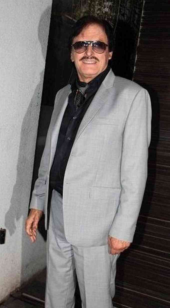 Sanjay Khan Picture