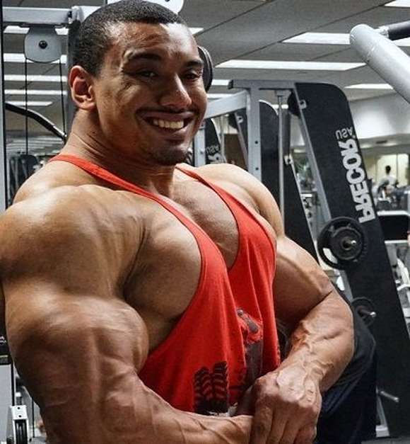 Larry Wheels Picture